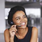 Shot of a businesswoman wearing a headset at her deskhttp://195.154.178.81/DATA/i_collage/pu/shoots/806087.jpg